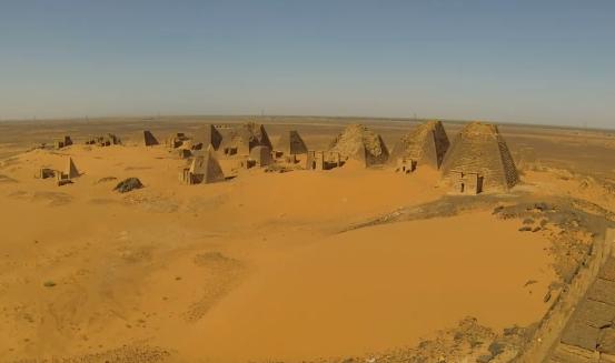 Vignette de l'actualité Amazing Drone Footage of Nubian Pyramids